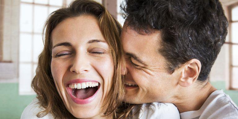 Ces signes montrent que votre partenaire est follement amoureux de vous