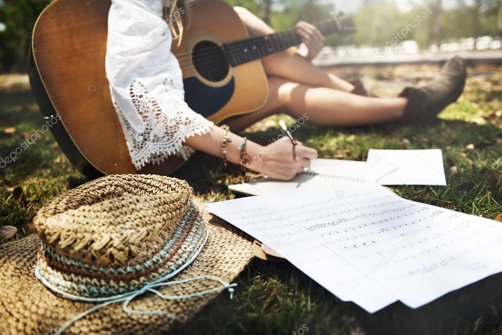 Comment écrire une chanson selon les meilleurs compositeurs