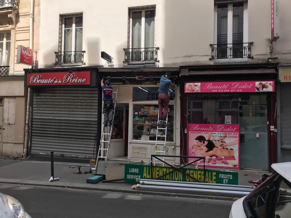 Un professionnel pour mettre fin aux problèmes des rideaux métalliques à Paris