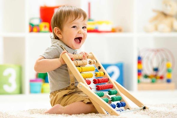 Comment aider votre enfant à développer ses habiletés motrices