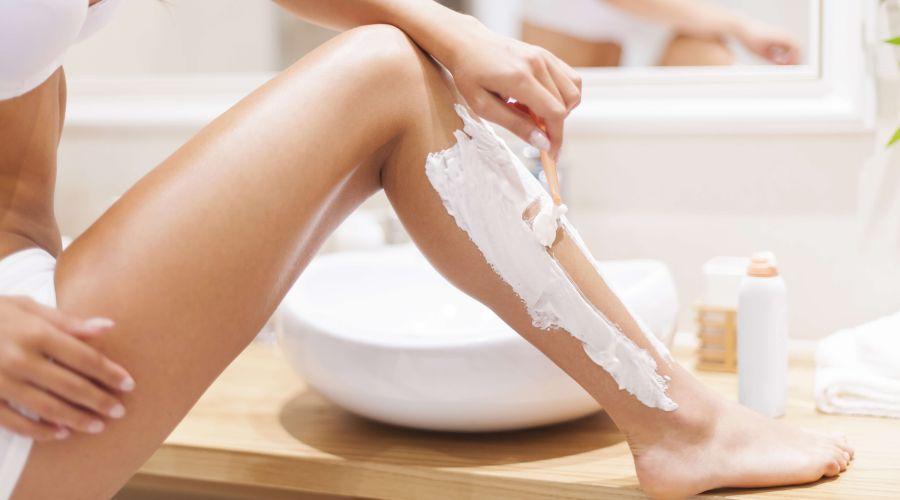 7 façons de se débarrasser des poils incarnés pour de bon