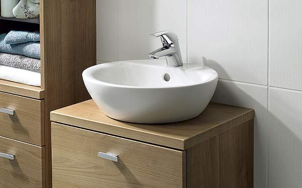Installer une vasque dans la salle de bain