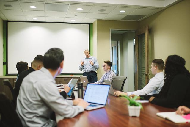 Pourquoi est-il important de promouvoir le changement au sein d'une entreprise?